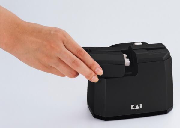 KAI elektrischer Messerschärfer (AP-118)